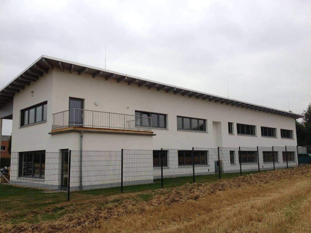 Weiträumiges Bürogebäude Anton Software GmbH