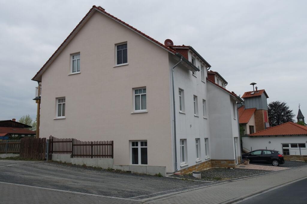 Geräumiges Mehrfamilienhaus in Reyershausen